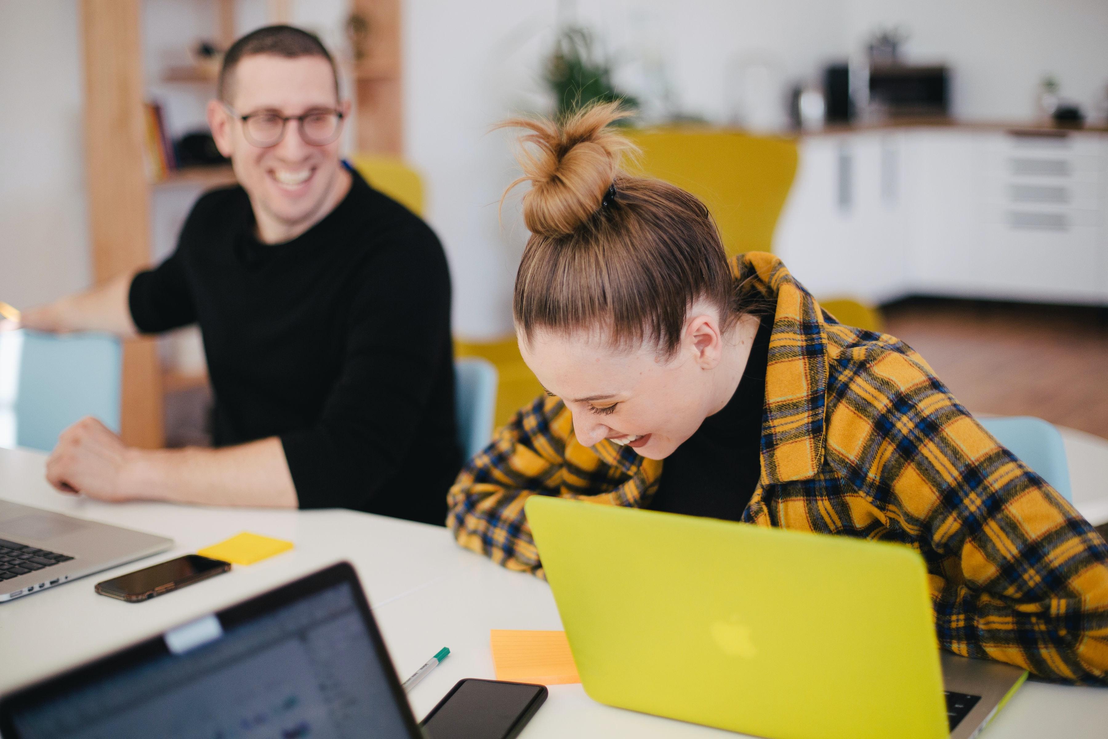 Creativiteit, motivatie en minder stress:Hoe kunst en cultuur kunnen bijdragen aan geluk op de werkvloer